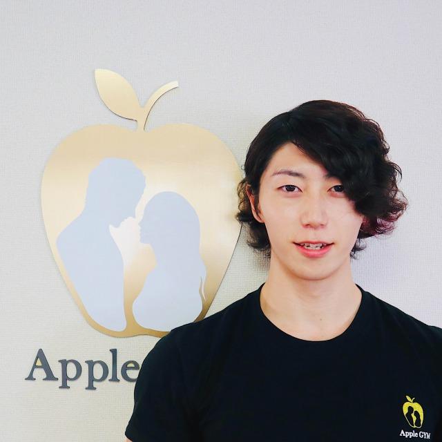 中村トレーナーの顔写真